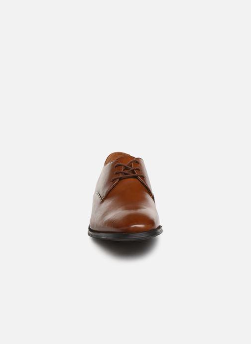 Chaussures à lacets Clarks Gilman Walk Marron vue portées chaussures