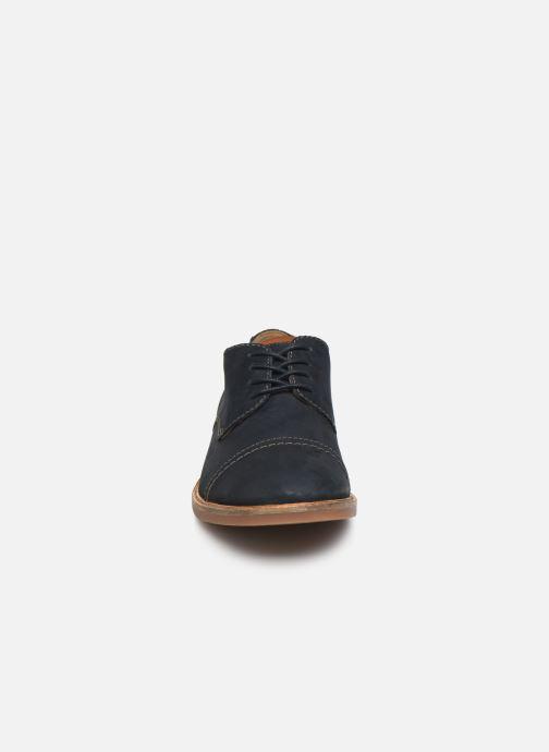 Chaussures à lacets Clarks Atticus Cap Bleu vue portées chaussures