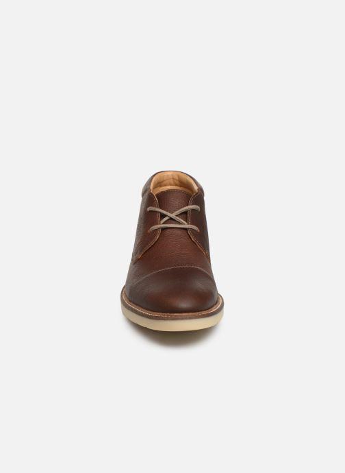 Bottines et boots Clarks Grandin Top Marron vue portées chaussures