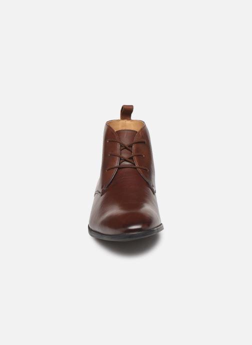Bottines et boots Clarks Bampton Up Marron vue portées chaussures