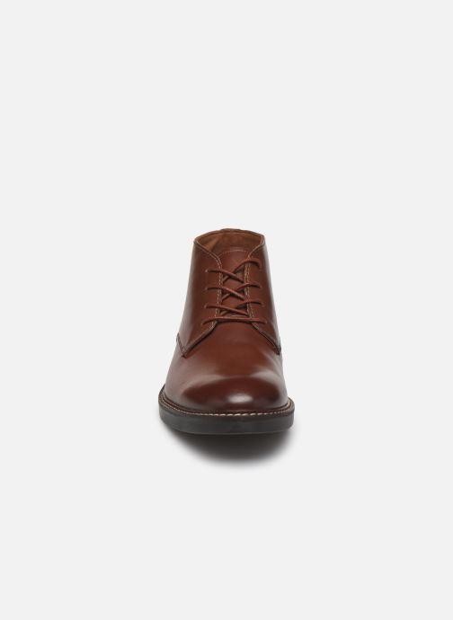 Bottines et boots Clarks Paulson Mid Marron vue portées chaussures