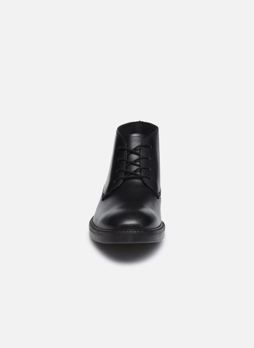 Bottines et boots Clarks Paulson Mid Noir vue portées chaussures