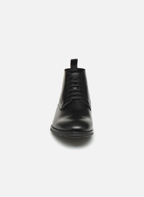 Bottines et boots Clarks Ronnie Up GTX Noir vue portées chaussures