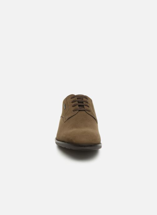 Chaussures à lacets Clarks Ronnie WalkGTX Marron vue portées chaussures