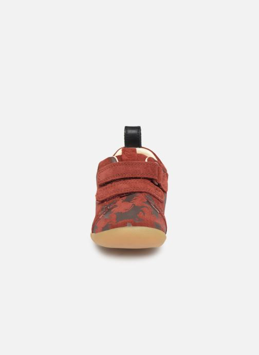 Trainers Clarks Roamer Wild x Lion King Red model view