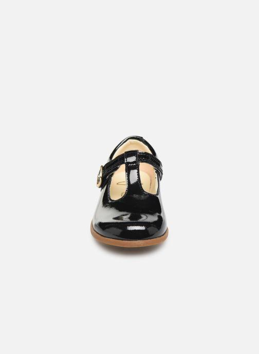 Ballerines Clarks Drew Shine T Noir vue portées chaussures