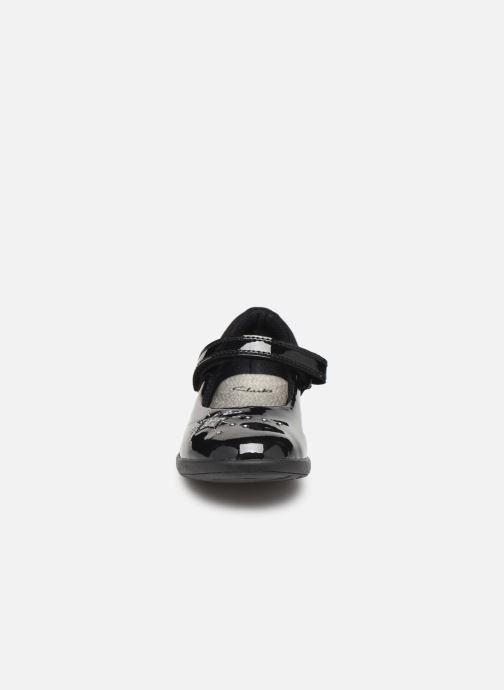 Ballerines Clarks Etch Spark T/K Noir vue portées chaussures