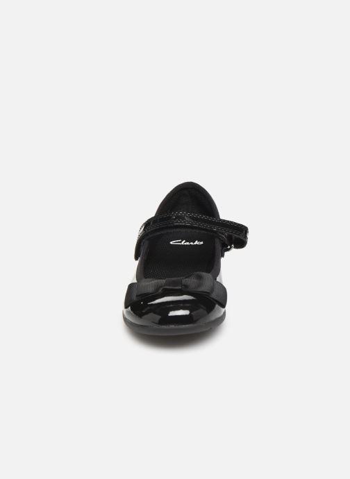 Ballerines Clarks Scala Tap T/K Noir vue portées chaussures