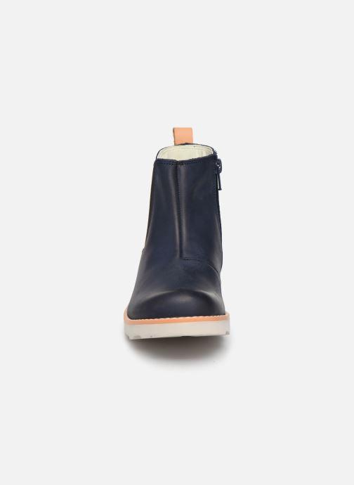 Bottines et boots Clarks Crown Halo K Bleu vue portées chaussures
