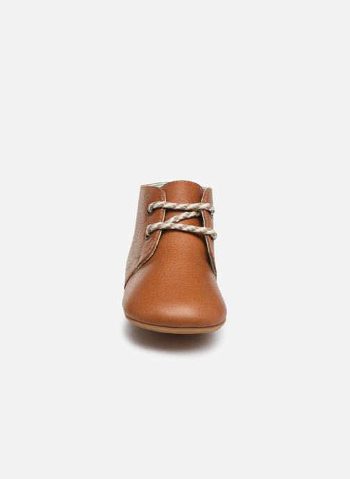 Chaussons Poco Nido Lace Up Leather Boot Mighty Shoe Marron vue portées chaussures