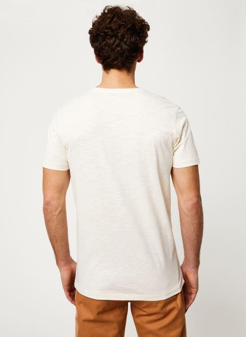 Vêtements Selected Homme Slhanders Tee Blanc vue portées chaussures