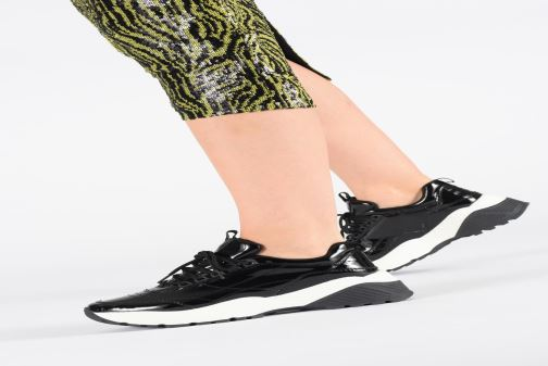 Trainers S.Oliver Jordana Black view from underneath / model view