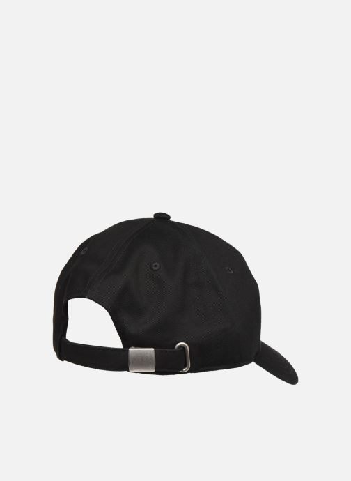 Gorra FILA DAD CAP F-box Negro vista del modelo
