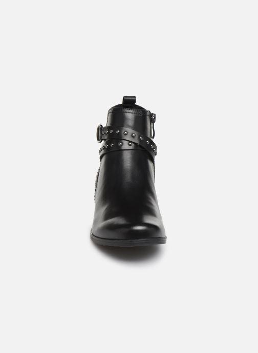 Bottines et boots Caprice Lola Noir vue portées chaussures