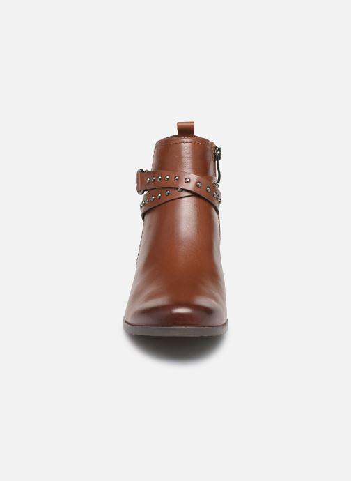 Bottines et boots Caprice Lola Marron vue portées chaussures