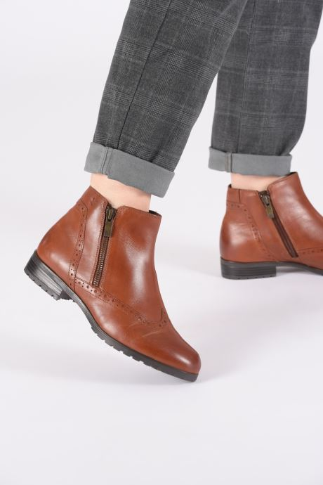 Ankle boots Caprice Sala Brown view from underneath / model view