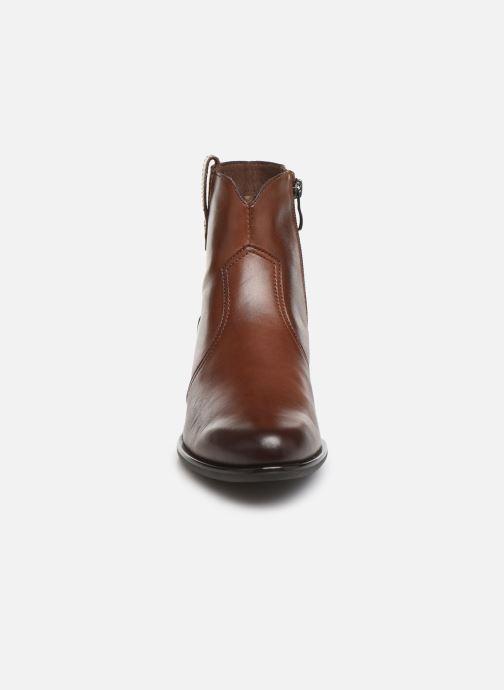 Bottines et boots Caprice Holy Marron vue portées chaussures