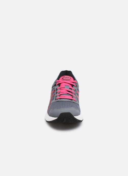 Chaussures de sport Asics Gel-Contend 5 Gris vue portées chaussures