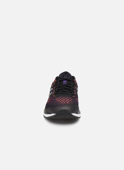 Chaussures de sport Asics Gel-Cumulus 21 Noir vue portées chaussures