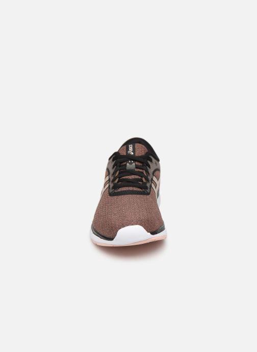 Chaussures de sport Asics Patriot 11 Twist Rose vue portées chaussures
