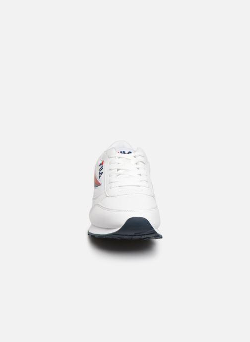 Baskets FILA Orbit F Low Blanc vue portées chaussures