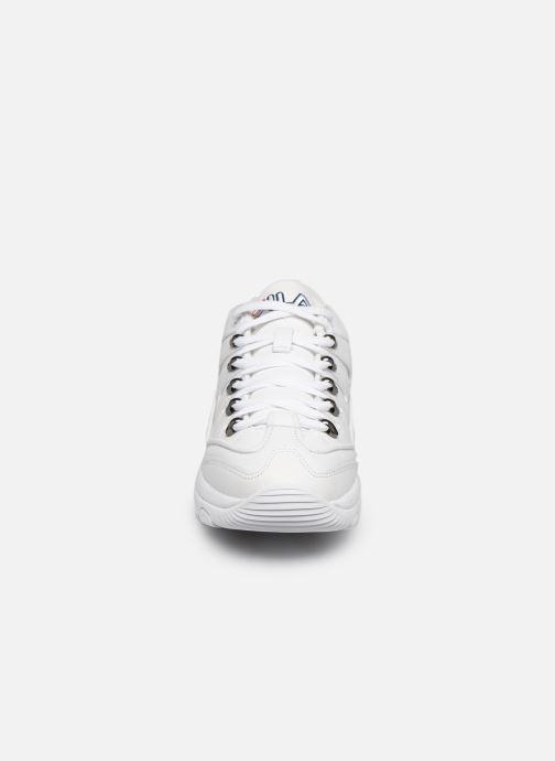 Baskets FILA Strada Hiker Low Wmn Blanc vue portées chaussures