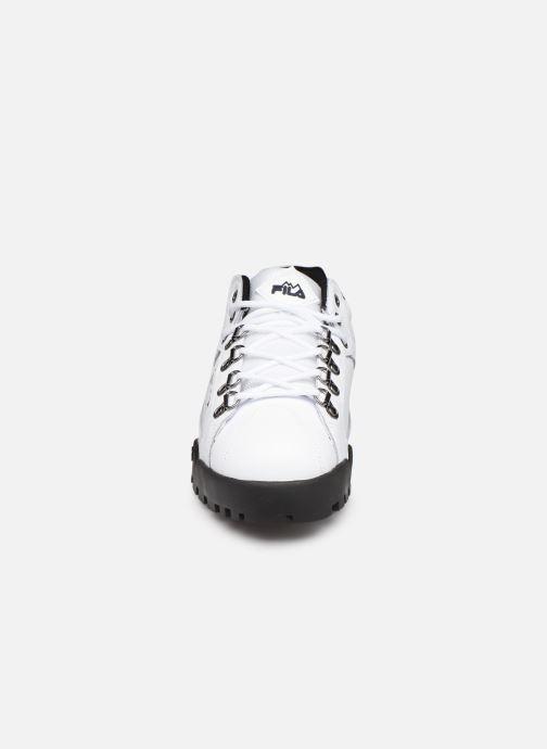 Baskets FILA Trailblazer L Wmn Blanc vue portées chaussures