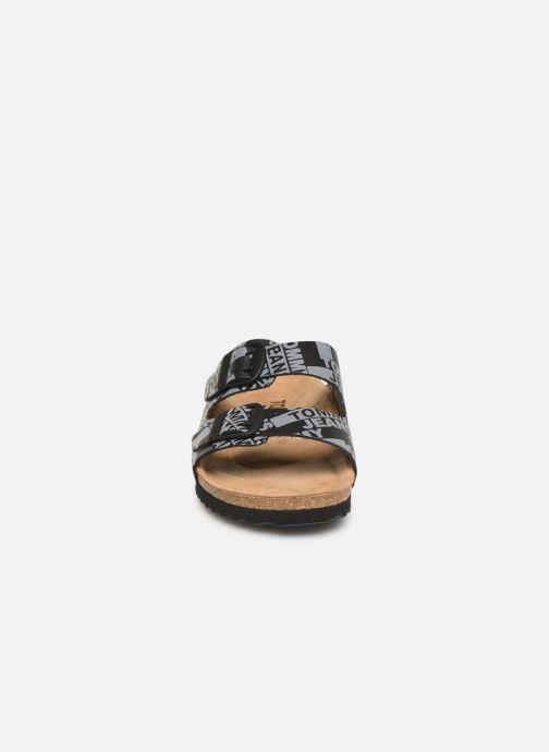 Mules et sabots Tommy Hilfiger Allover Print Flat S Noir vue portées chaussures