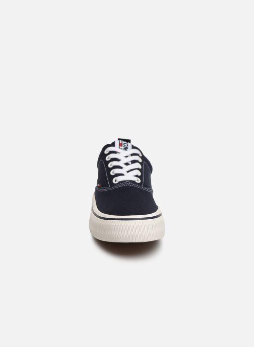 Baskets Tommy Hilfiger Classic Tommy Jeans Bleu vue portées chaussures