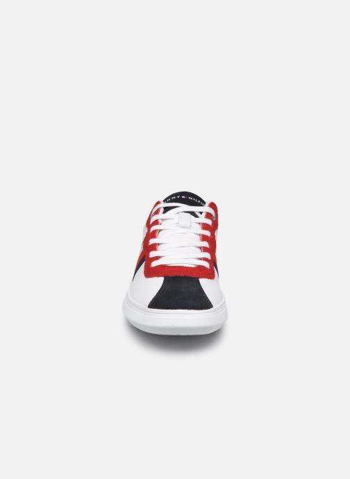 Baskets Tommy Hilfiger Essential Corporate Blanc vue portées chaussures