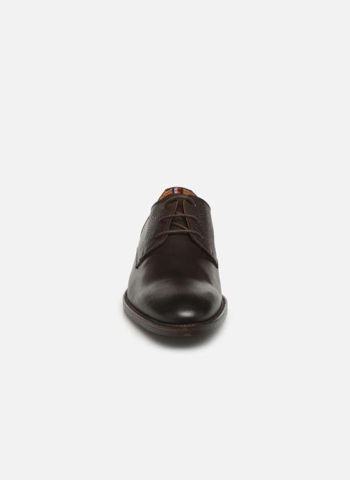 Chaussures à lacets Tommy Hilfiger Essential Lea Marron vue portées chaussures