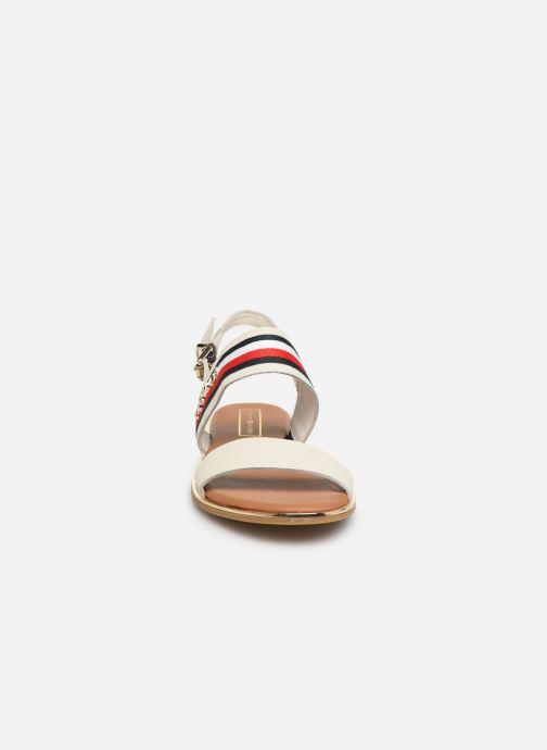 Sandales et nu-pieds Tommy Hilfiger Flat Sandal C Blanc vue portées chaussures
