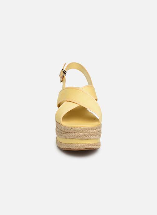 Espadrilles Tommy Hilfiger Flatform Sandal Tomm Jaune vue portées chaussures