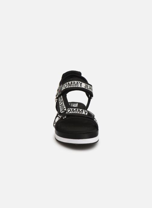 Sandales et nu-pieds Tommy Hilfiger Mesh Webbing Noir vue portées chaussures