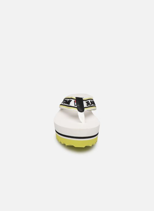 Tongs Tommy Hilfiger Pop Webbing Mid Beac Blanc vue portées chaussures