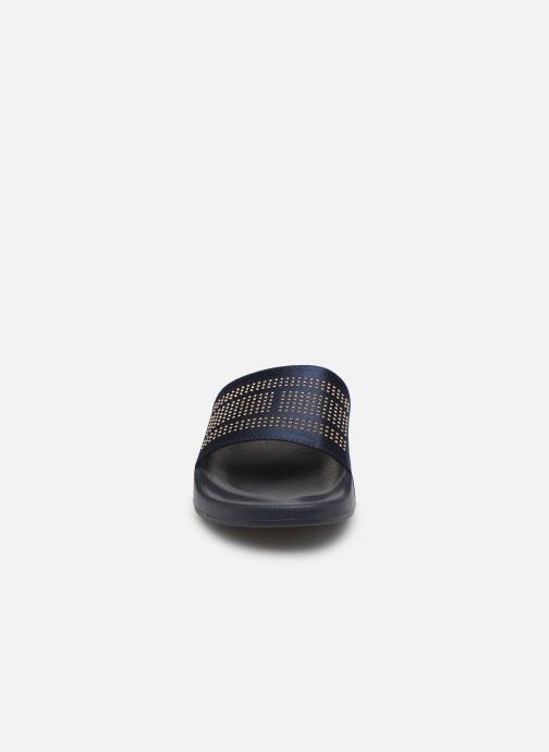 Mules et sabots Tommy Hilfiger Sparkle Satin Pool S Bleu vue portées chaussures