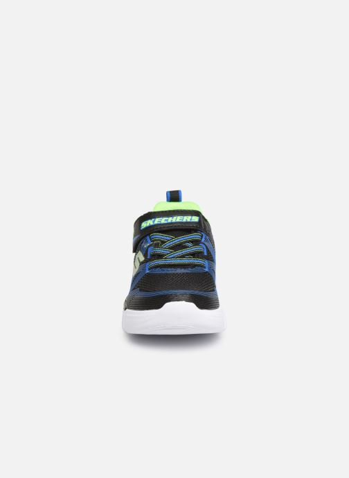 Deportivas Skechers Flex-Glow B Negro vista del modelo