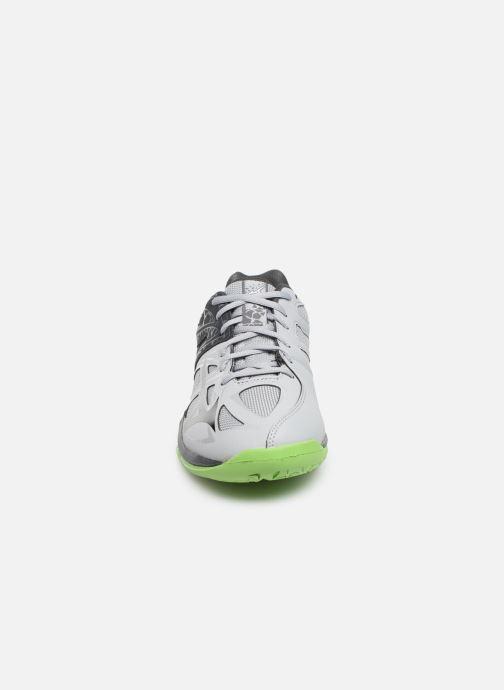 Chaussures de sport Mizuno Thunder Blade 2 Gris vue portées chaussures