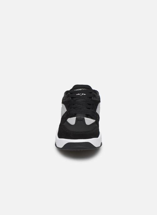 Sneakers DC Shoes Maswell Nero modello indossato