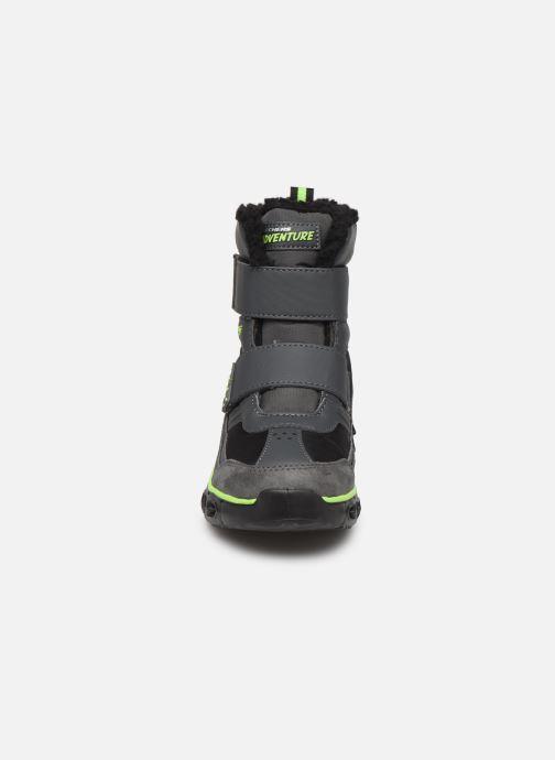 Stiefel Skechers Hypno-Flash 2.0 Street Breeze schwarz schuhe getragen
