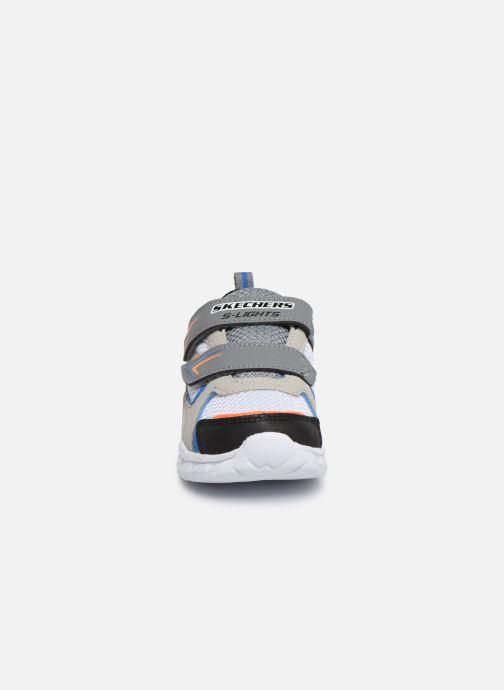 Deportivas Skechers Magna-Lights Vendow Gris vista del modelo