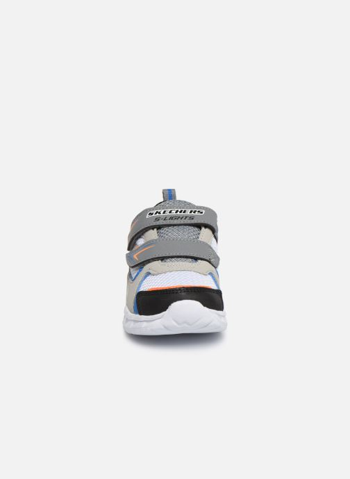 Sneakers Skechers Magna-Lights Vendow Grigio modello indossato
