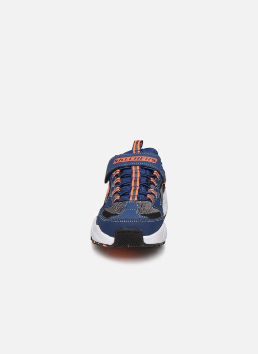 Baskets Skechers Stamina K Bleu vue portées chaussures