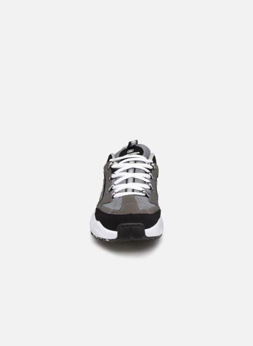 Baskets Skechers Stamina K Gris vue portées chaussures