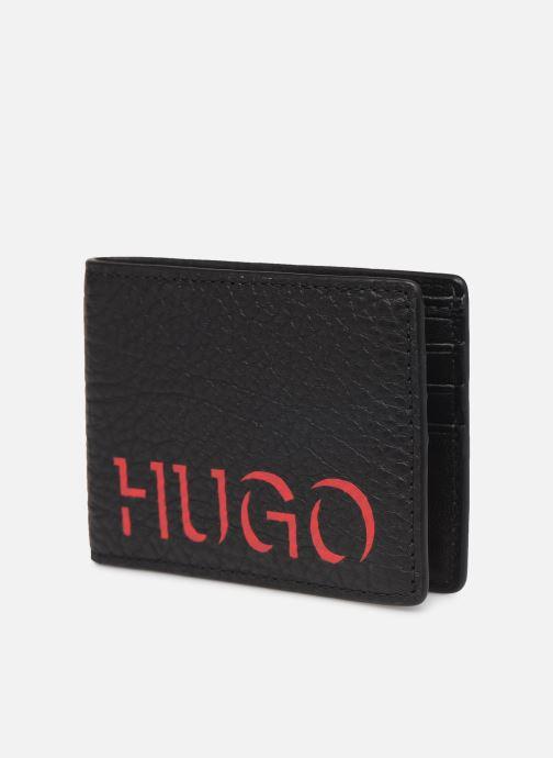 Petite Maroquinerie Hugo VICTORIAN WALLET 6 CC Noir vue portées chaussures