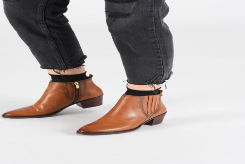 Ankle boots Pikolinos Huelma W2Z-8964 Brown view from underneath / model view
