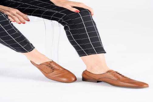 Chaussures à lacets Pikolinos Royal W4D-4904 Marron vue bas / vue portée sac