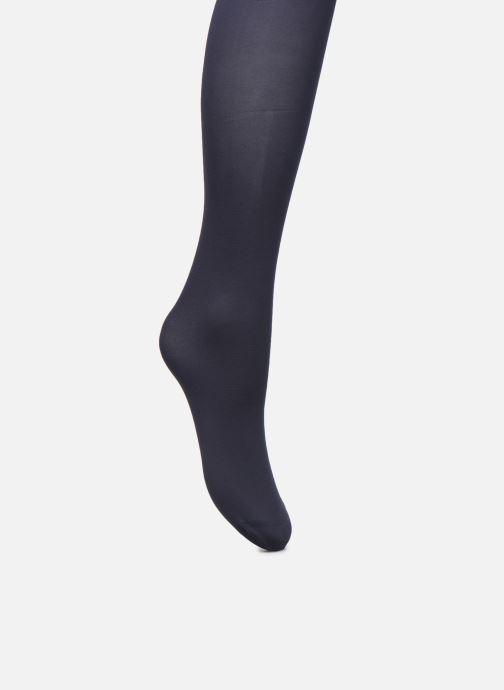 Chaussettes et collants Dim Collant OPAQUE VELOUTE 50D Bleu vue portées chaussures