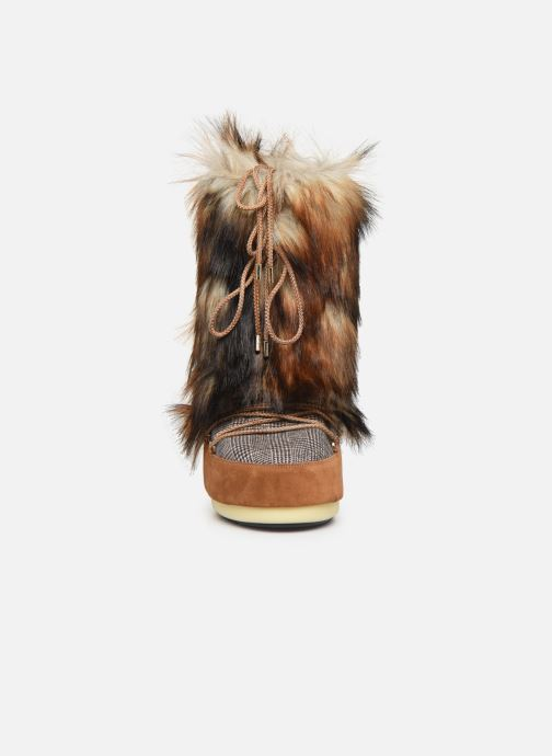 Scarpe sportive Moon Boot Moont Boot Classic Faux Fox/Tartan Marrone modello indossato