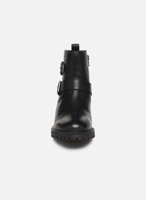 Ankelstøvler Geox D HOARA Sort se skoene på